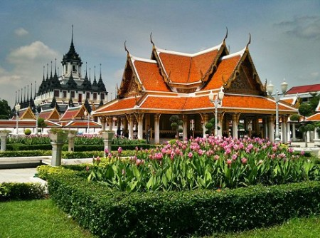 Siam Society Day Trip � Two Temples and New Museum in Bangkok0