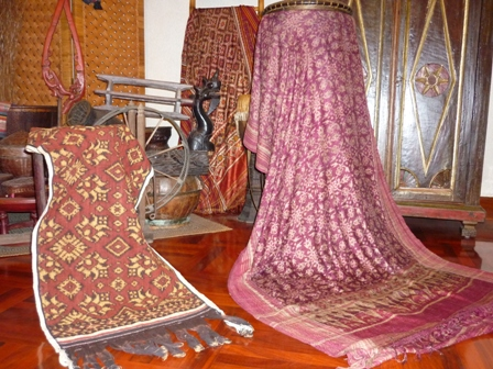 The Sacred Textiles of Flores and its Neighbors;  Inspired by the �Patola� from Gujarat0