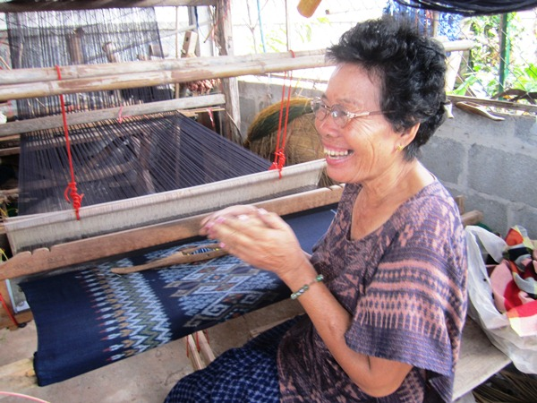 TTS Study Trip-15-17 March, 2013 - Visits to Weaving Villages in Kalasin & Udon Thani1