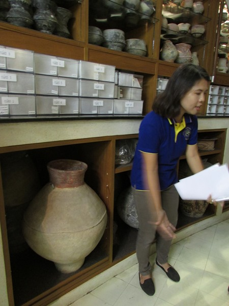 Tour to The Kanchanaphisek  Storage Facilities in Pathum Thani0